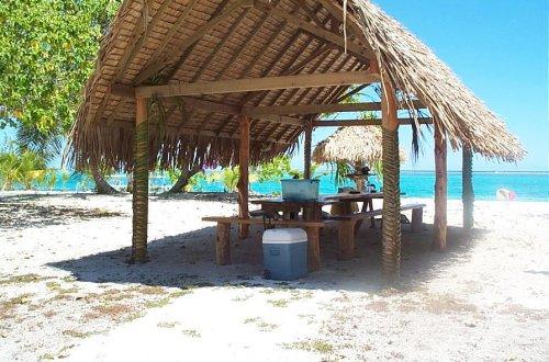 Bora Bora Motu Lagoon